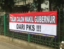 Spanduk Tolak Wagub dari PKS Diturunkan