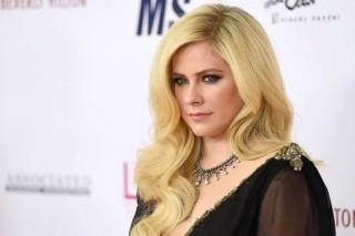 Avril Lavigne Rilis Lagu yang Terinspirasi dari Pengalaman Sekarat
