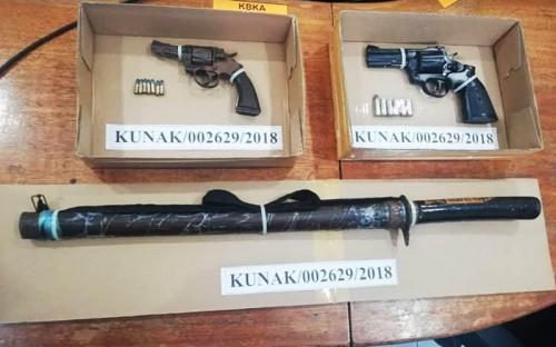 Senjata yang ditemukan dari kapal yang digunakan kaki tangan