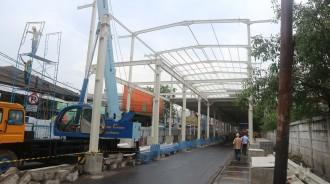 Pembangunan Sky Bridge Tanah Abang Hampir 50 Persen