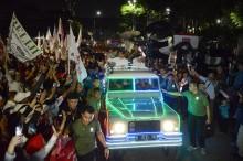 Datang ke KPU Jokowi-Ma'ruf Tumpangi Land Rover