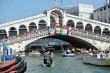Duduk Sembarangan di Venesia Dapat Dikenai Denda Rp8,7 Juta