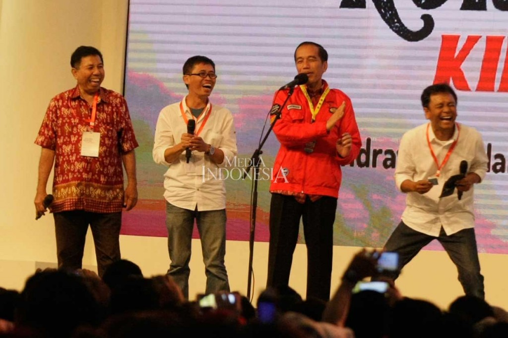 Obrolan Jokowi dengan Alumni UGM yang Pernah Utang di Warung