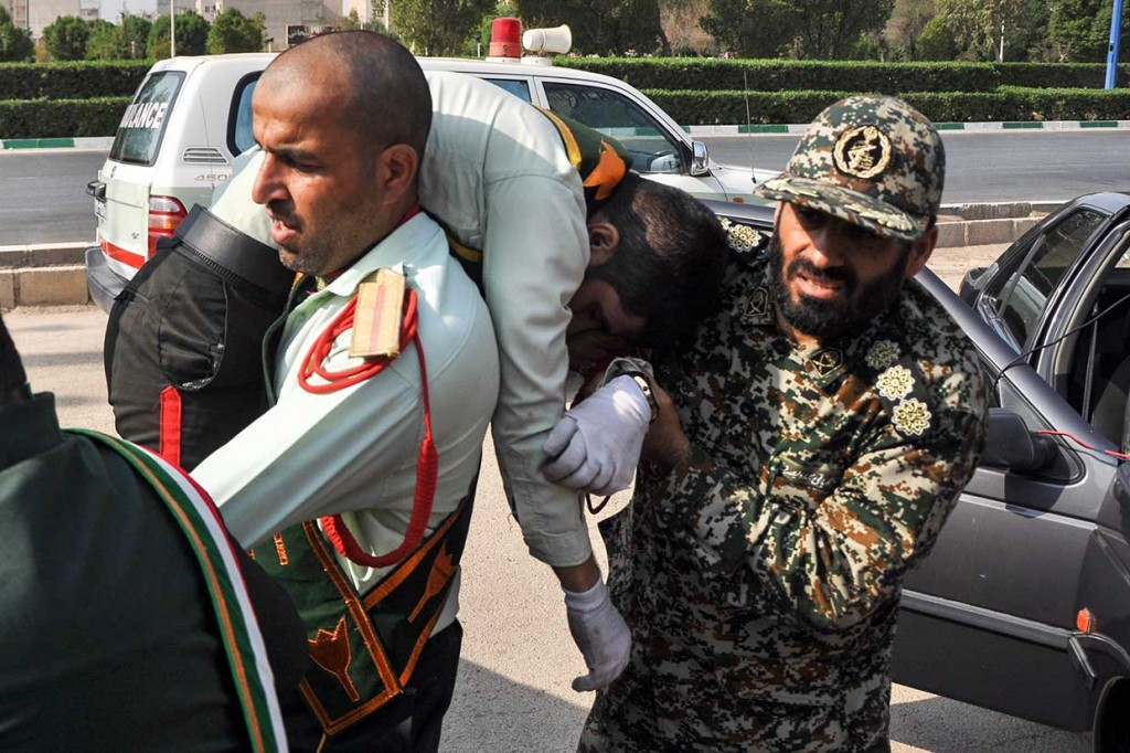 Parade Militer Iran Diserang Gerilyawan, 11 Orang Tewas