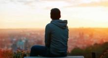 Bagaimana Kesepian Menurunkan Kualitas Hidup Seseorang?