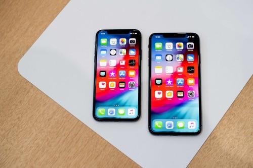 Apple mulai menjual iPhone terbarunya di Singapura. (Photo by
