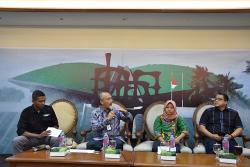 Deputi Perlindungan BNP2TKI, Anjar Prihantoro (sedang berbicara)