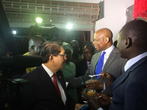 Duta Besar RI untuk Senegal, Mansyur Pangeran (tengah). (Foto: