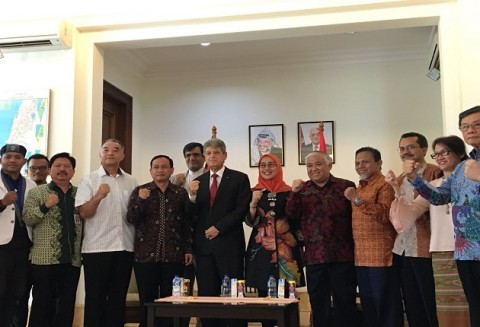 Palestinian FM to Visit Indonesia Next Month