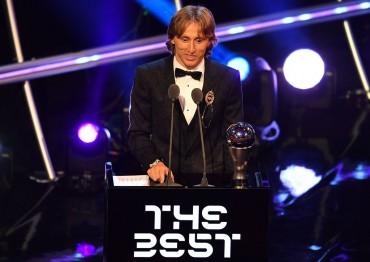 Luka Modric Sabet Gelar Pemain Terbaik FIFA