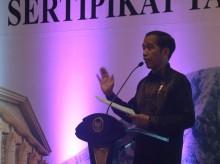 Jokowi Serahkan 7.000 Sertifikat Tanah di Bogor