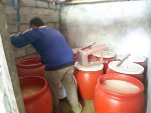 Bea Cukai Malang Gerebek Industri Rumahan Minuman Keras