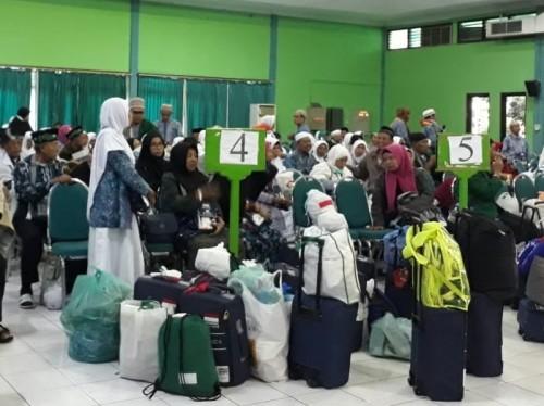Jemaah haji kloter 83 menjadi kloter terakhir yang tiba di Jawa