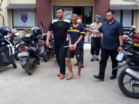 Polisi Tangkap Empat Pencuri Motor yang Beraksi di Perumahan TNI