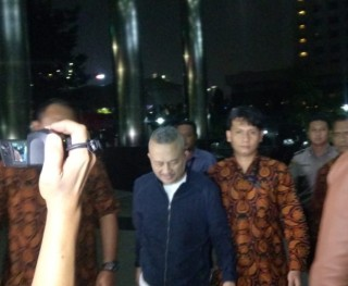 Legislator Sumut M Faisal Digelandang ke KPK