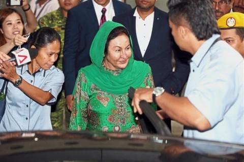 Selama 13 Jam, Istri Mantan PM Malaysia Diinterogasi