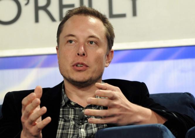 Elon Musk adalah CEO Tesla.