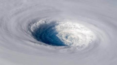 Topan Trami, Badai Terkuat di Pasifik yang Siap Hantam Jepang