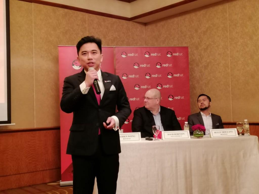 Damien Wong saat memberikan penjelasan tentang transformasi digital. (Medcom.id)