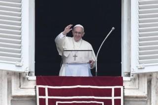 Paus Fransiskus Merasa Dekat dengan Warga Sulawesi