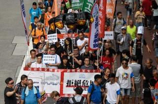 Ribuan Warga Hong Kong Kecam Tekanan Tiongkok