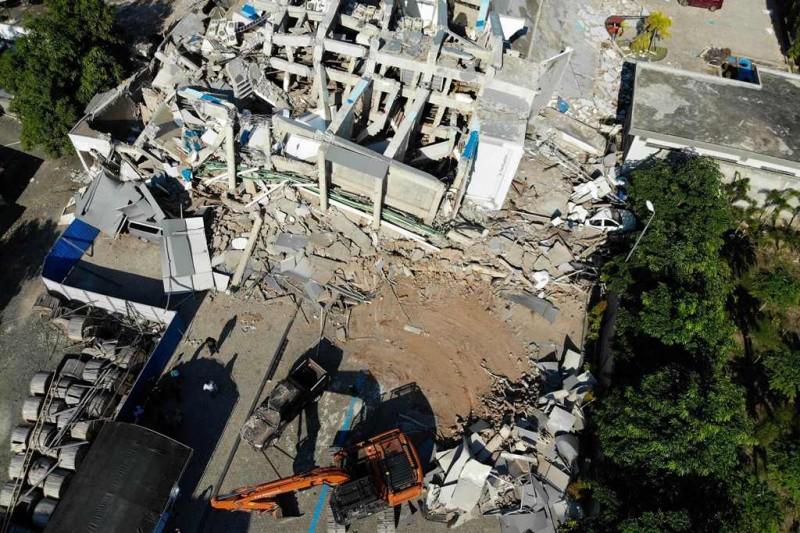 Suasana pascagempa bumi di Hotel Roa-Roa, Palu. (Foto: AFP/Jewel Samad)