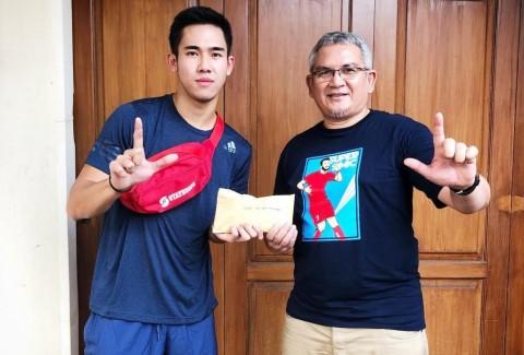 Ryuji Utomo Serahkan Donasi untuk Almarhum Haringga