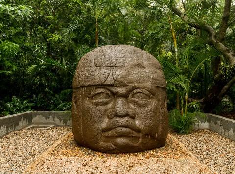 Dua WNI Rusak Benda Kuno di Museum Meksiko
