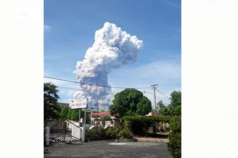 Gunung Soputan Meletus, Masyarakat Diminta Menjauh