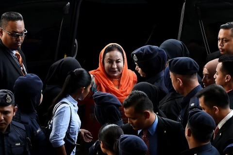 Istri Najib Razak Diduga Menyuap Saksi