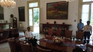 Sutopo Akhirnya Bersalaman dengan Jokowi