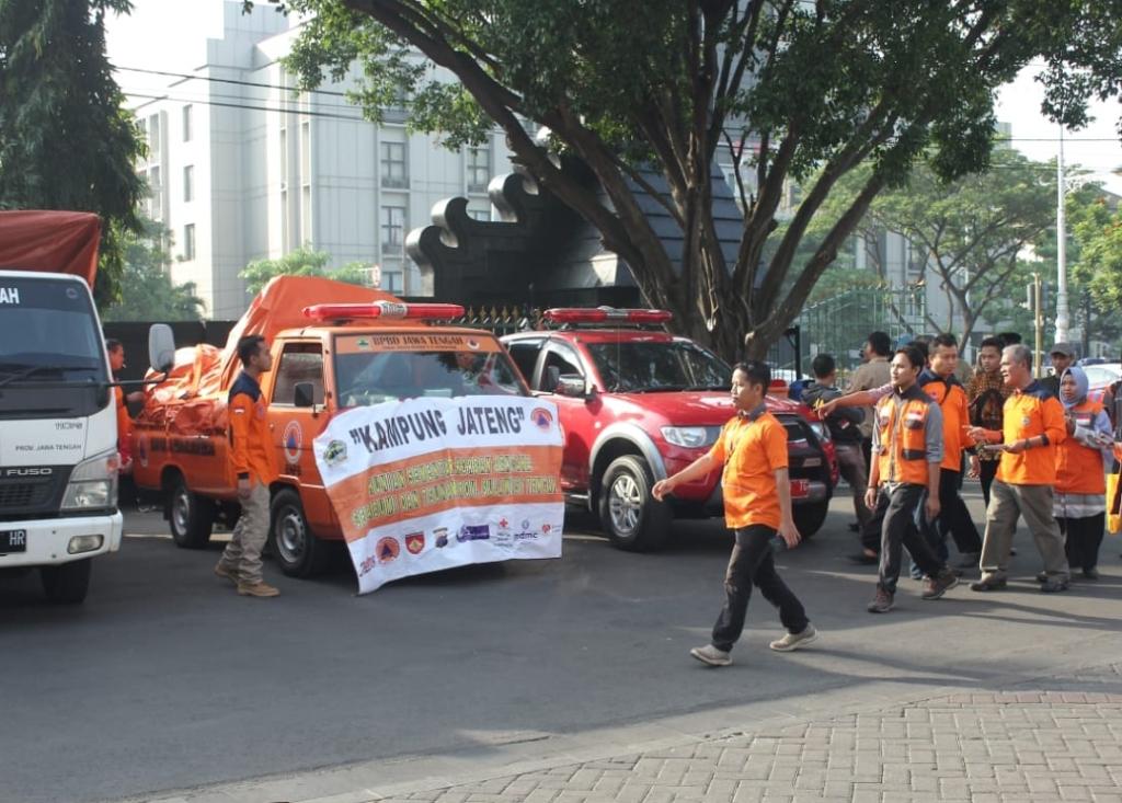 Relawan Jateng yang berangkat ke Sulteng bersiap di Kantor Gubernur Jawa Tengah, Sabtu 6 Oktober 2018.