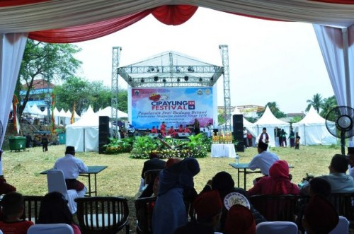 Suasana penyelenggaraan Festival Cipayung 2018 Pagelaran Seni