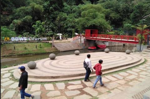 Teras Cikapundung, Tempat 'Ngadem' di Bandung