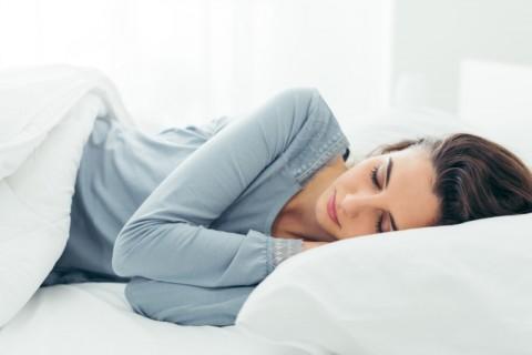 Tidur kurang dari lima jam pada malam hari meningkatkan risiko