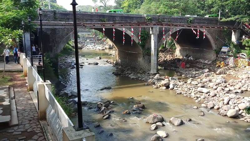 Sungai Ciliwung di Kelurahan Sempur, Kecamatan Bogor Tengah, Kota Bogor, Jawa Barat, Rabu, 10 Oktober 2018.