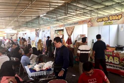 Sebanyak 65 stand  menyajikan beragam satai khas Nusantara dalam