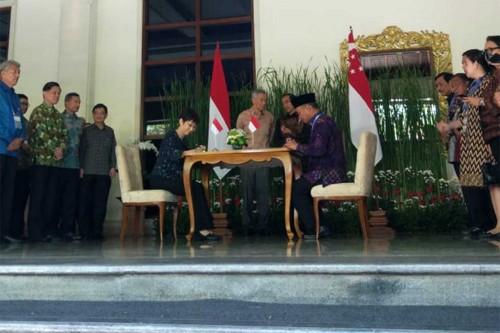 Jokowi Bertemu PM Singapura di Bali