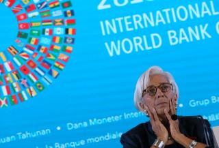 IMF Sebut Ekonomi Dunia Rentan