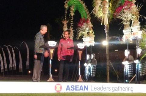 Presiden Joko Widodo dan Perdana Menteri Singapura Lee Hsien