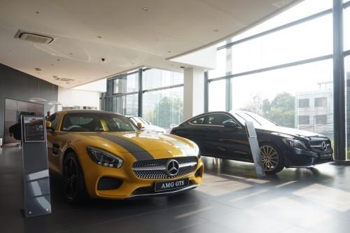 Mercedes-Benz masih tahan kenaikan harga meski rupiah sedang