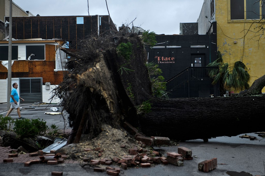 Dampak Badai Michael yang Terjang Florida