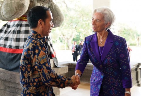 Presiden Jokowi bersama dengan Direktur Pelaksana IMF Christine