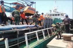 TNI Bawa Logistik ke Lokasi Terdampak Gempa