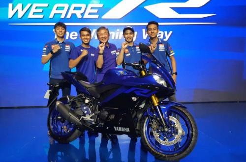 Galang Hendra Pratama (kedua dari kiri), bakal tetap berada di