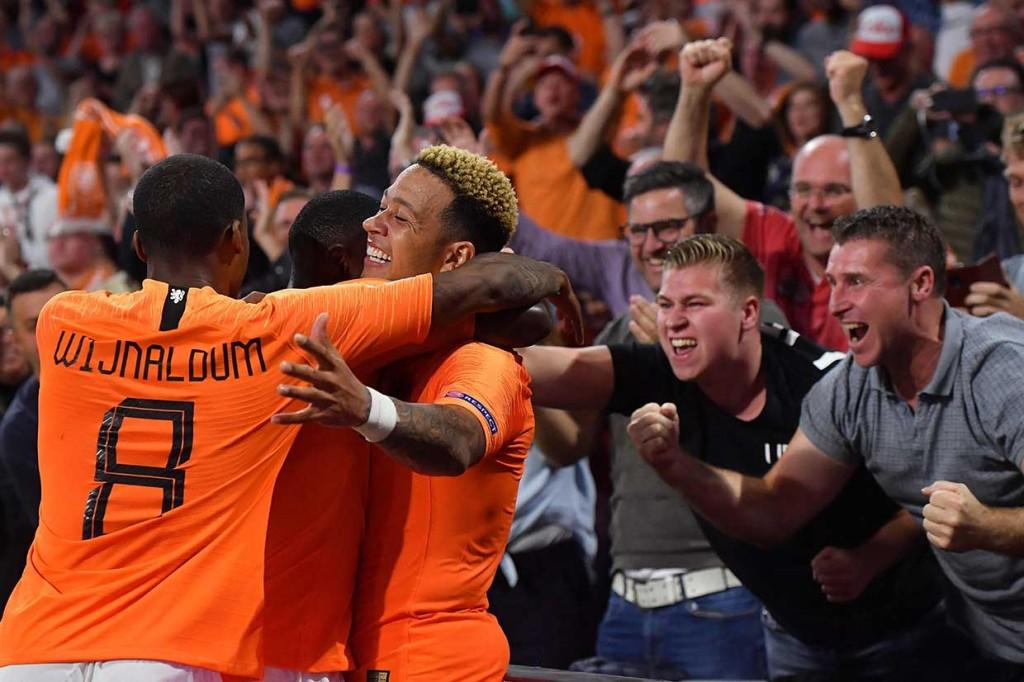 Belanda Lumat Jerman 3-0