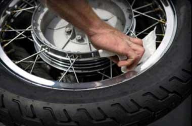 Pelek jari-jari dan casting digunakan sesuai manfaatnya.