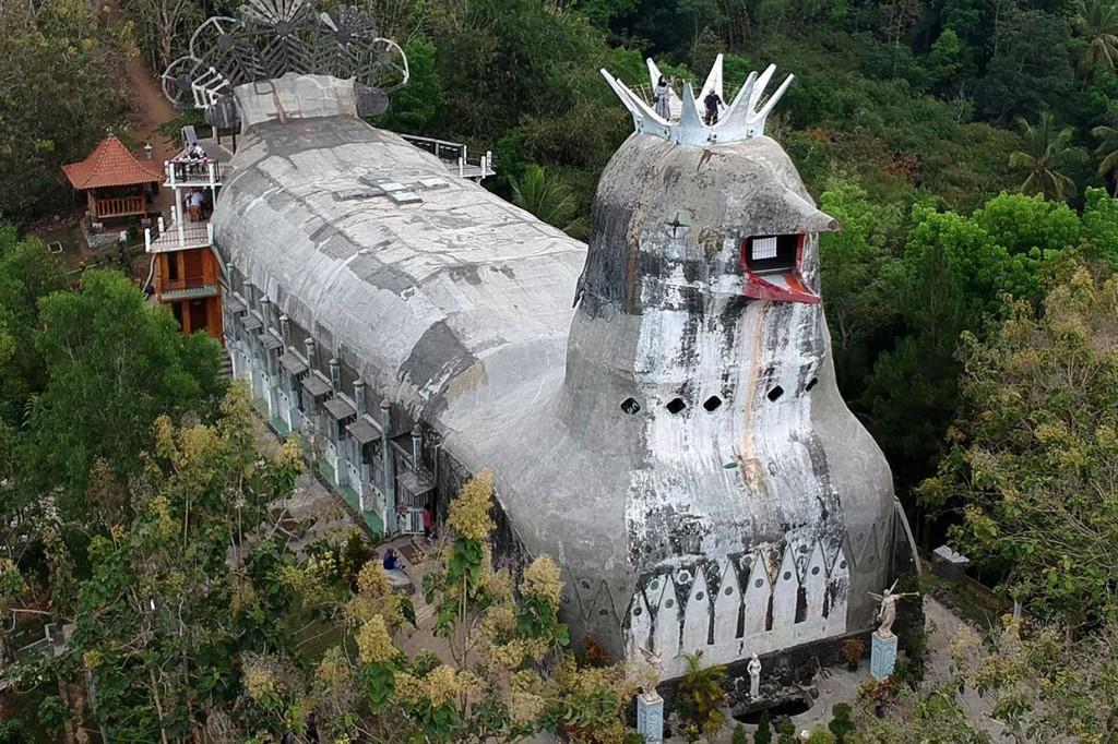 Kunjungi Destinasi Wisata Religi Rumah Doa Bukit Rhema