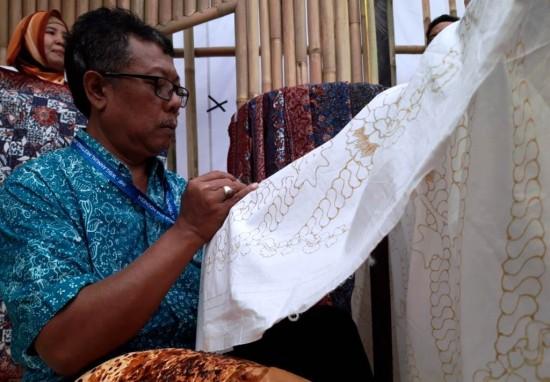 UMKM Binaan BNI Beruntung Pamerkan Produknya di IMF-WB 2018