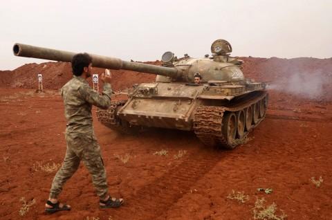 Pemberontak Tembakkan Mortir dari Zona Netral Suriah